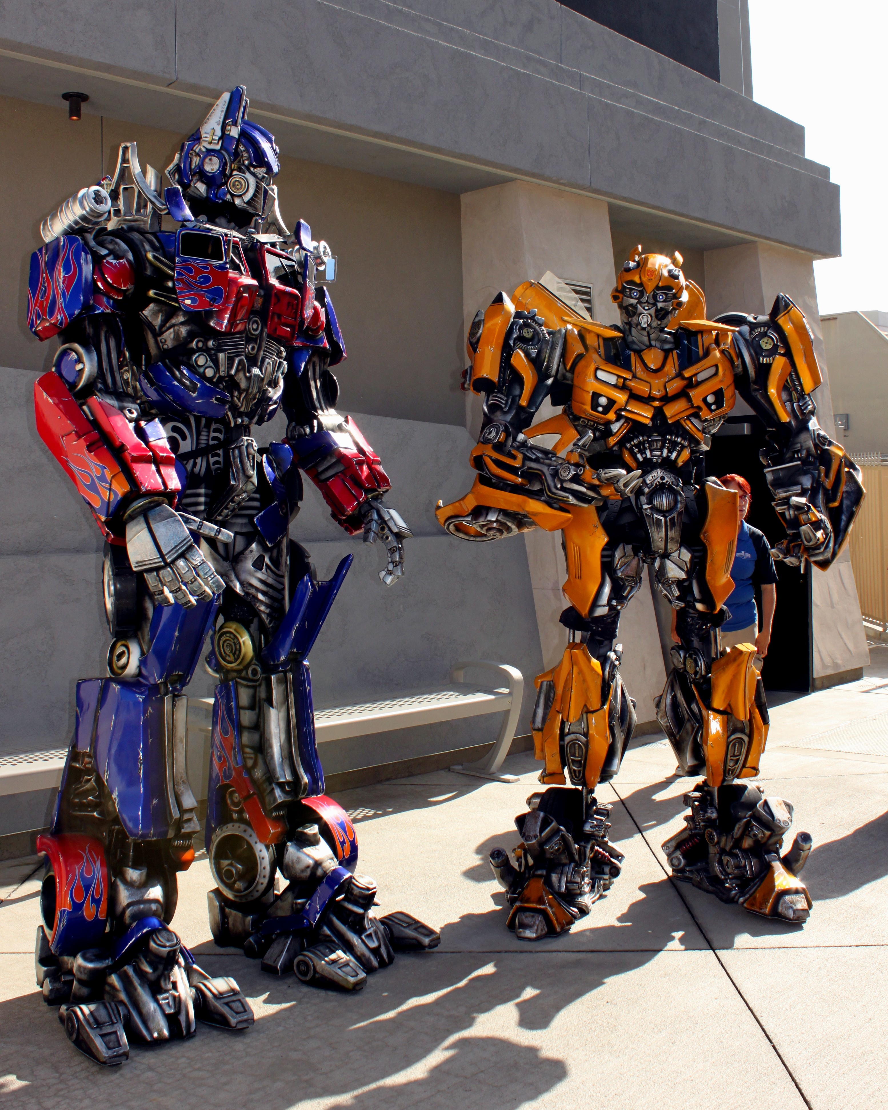 transformers_costume_characters_at_universal_studios_hollywood